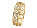 18kt yellow gold Quatrefoil bracelet with 1.73 cts diamonds. Available in white, yellow, or rose gold.
